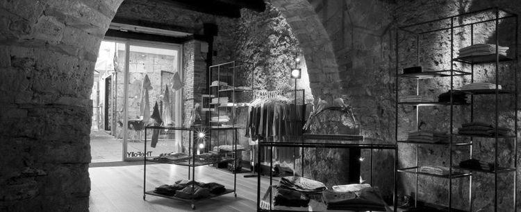 THeFollY abbigliamento uomo donna a Salerno